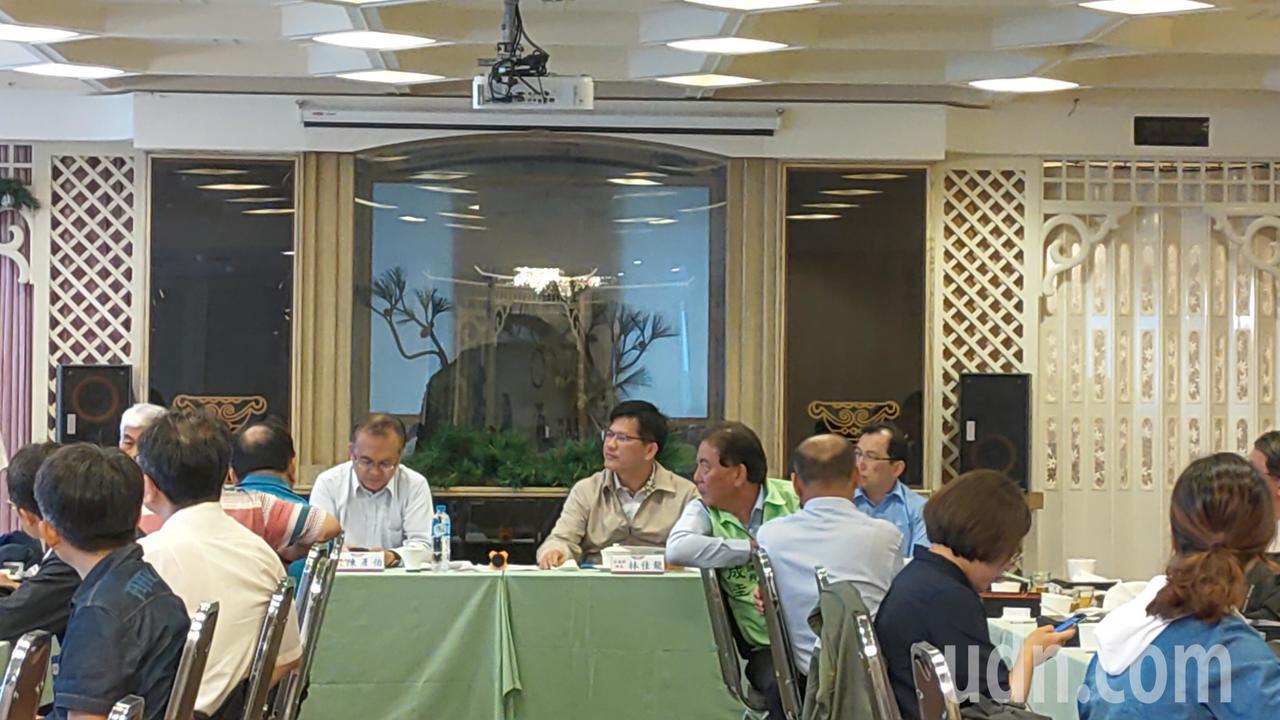 交通部長林佳龍今天至台中視察。記者董俞佳/攝影