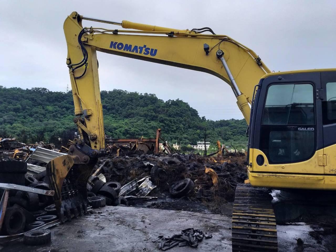 台中市后里區廢輪胎廠日前發生大火,造成台中部分區域空品不良。記者余采瀅/攝影