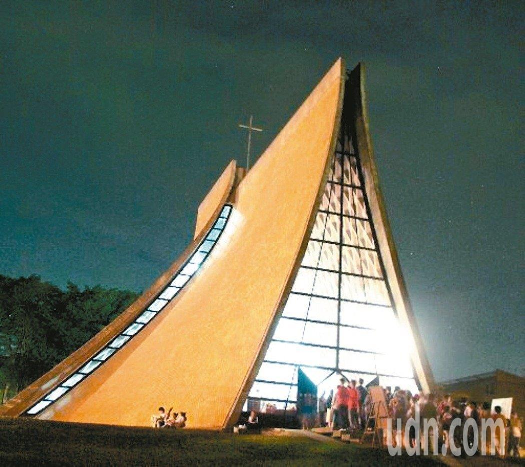 華裔美籍建築師貝聿銘也參與設計的台中東海大學路思義教堂。本報資料照片