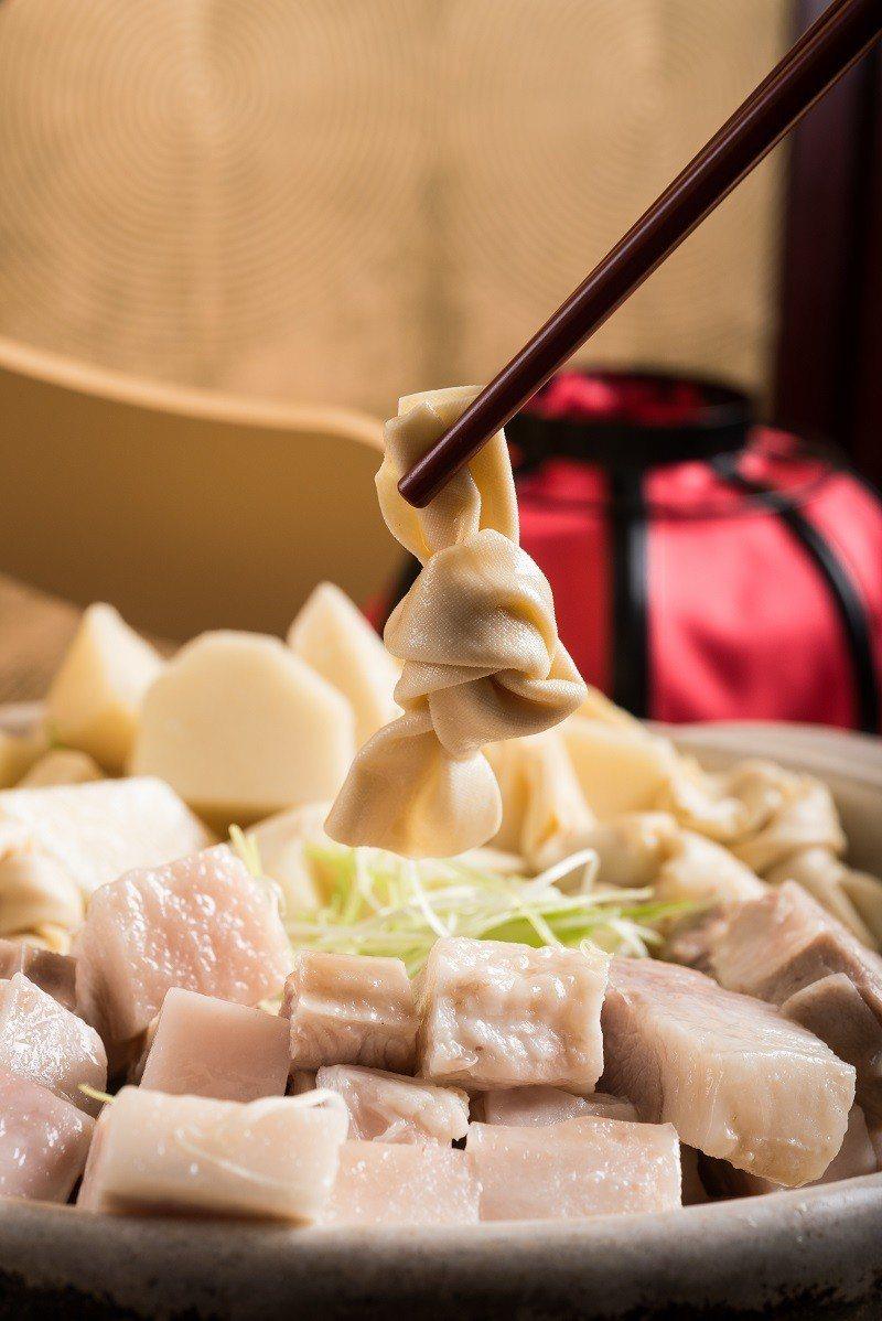 「上海醃篤鮮」經典美味多種吃法,輕鬆變身煲湯、火鍋、湯麵料理。圖/六福旅遊集團提...