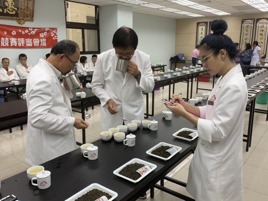 嘉義縣梅山鄉農會承辦阿里山高山茶春茶競賽,今天成績揭曉。記者謝恩得/翻攝