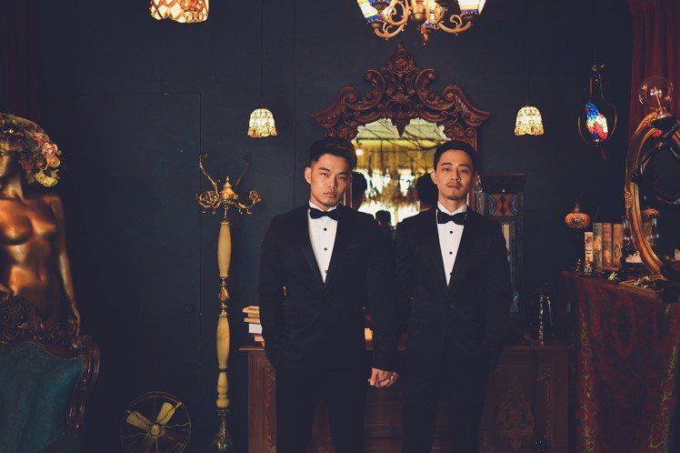 阿拓與男友宣佑將於明日舉行婚禮。圖/阿拓提供