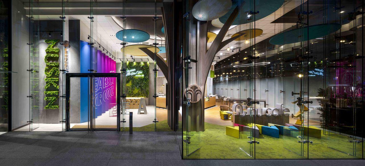 NU CAFE如新企業文化與公益咖啡館以公共客廳概念,營造多彩舒適的環境。圖/N...