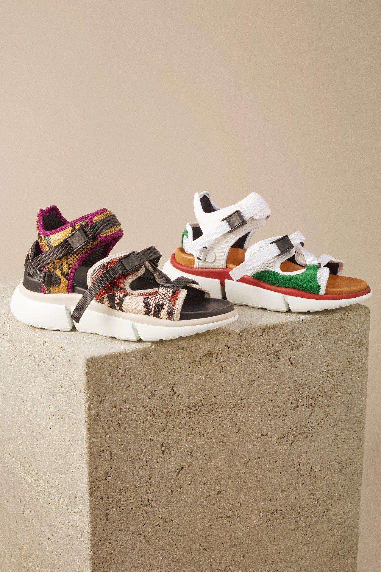 (左起)Sonnie仿蛇紋皮革運動涼鞋,價格店洽;白底綠邊運動涼鞋,售價20,9...