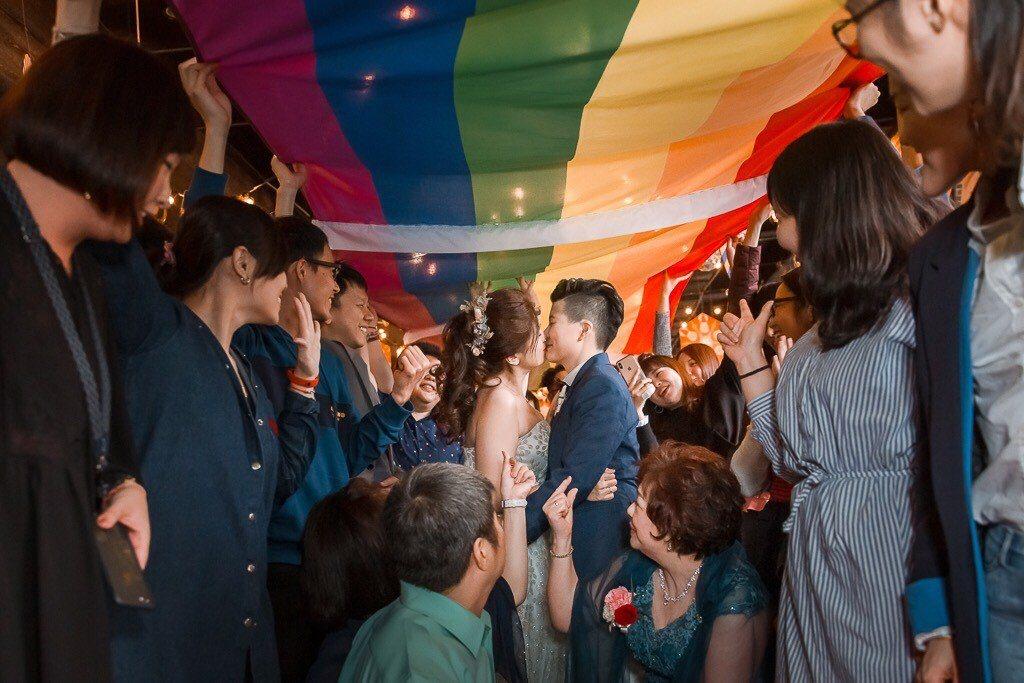 同婚專法通過後,帶動婚攝等同婚周邊商機,圖為由Sameul婚禮攝影拍攝的同志婚禮...