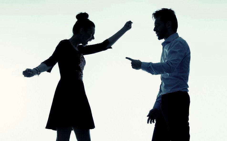 高雄市林女不滿丈夫與身為知名中醫師的前妻有金錢糾葛,登上臉書辱罵前妻,被判拘役3...