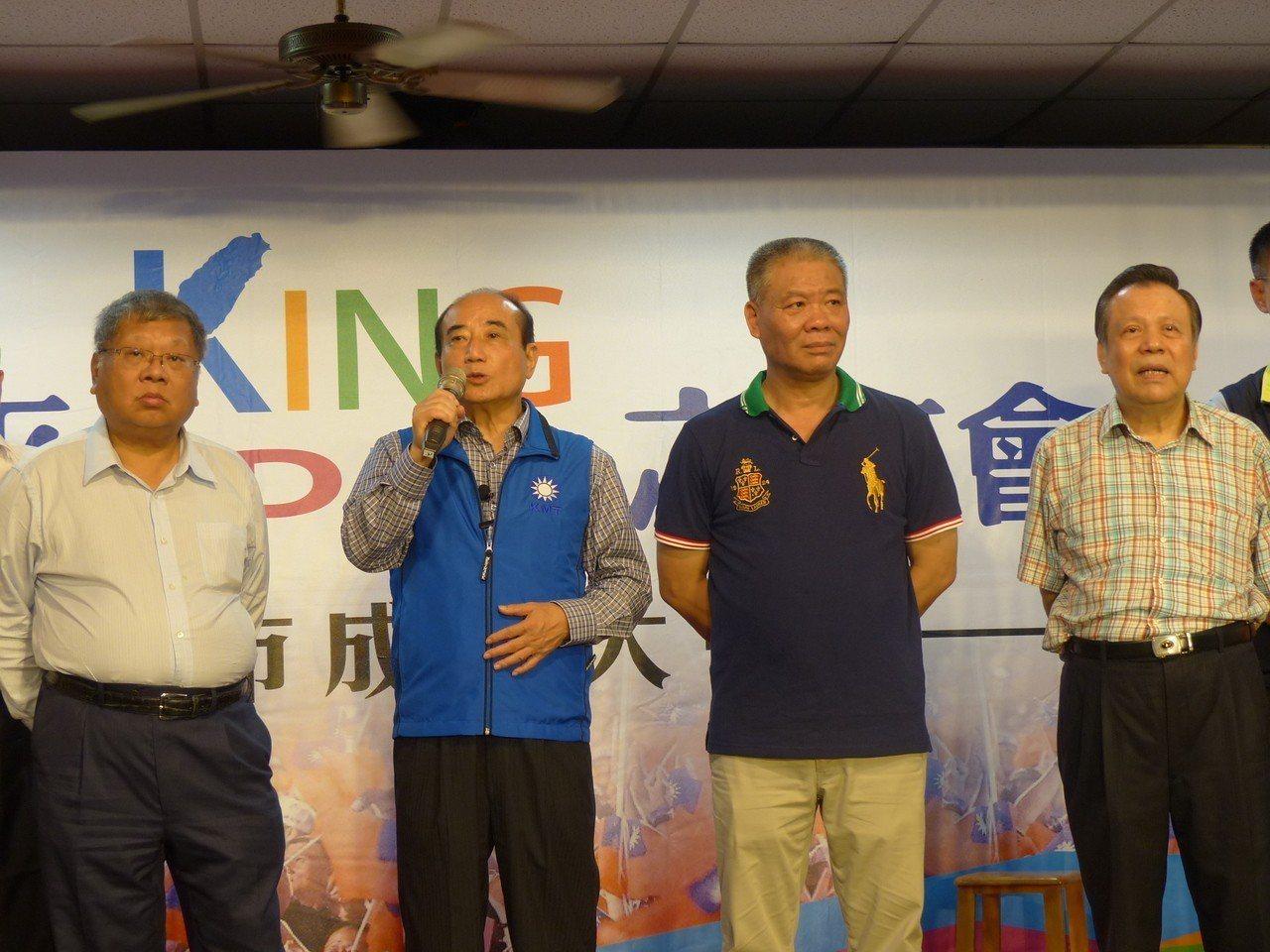 前立法院長王金平(左2) 今天下午參加在彰化市向陽社區活動中心舉行的彰化市金平之...