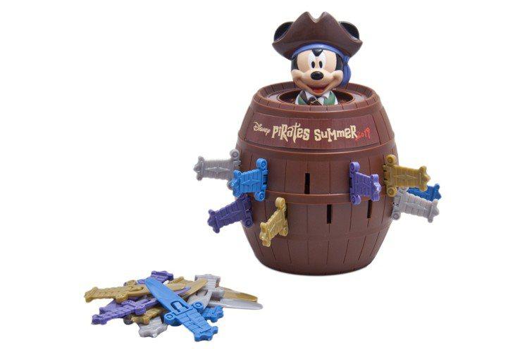 「迪士尼夏日海盜世界」有約70款週邊商品、16種主題餐點,呈現豪邁的海洋風情。圖...