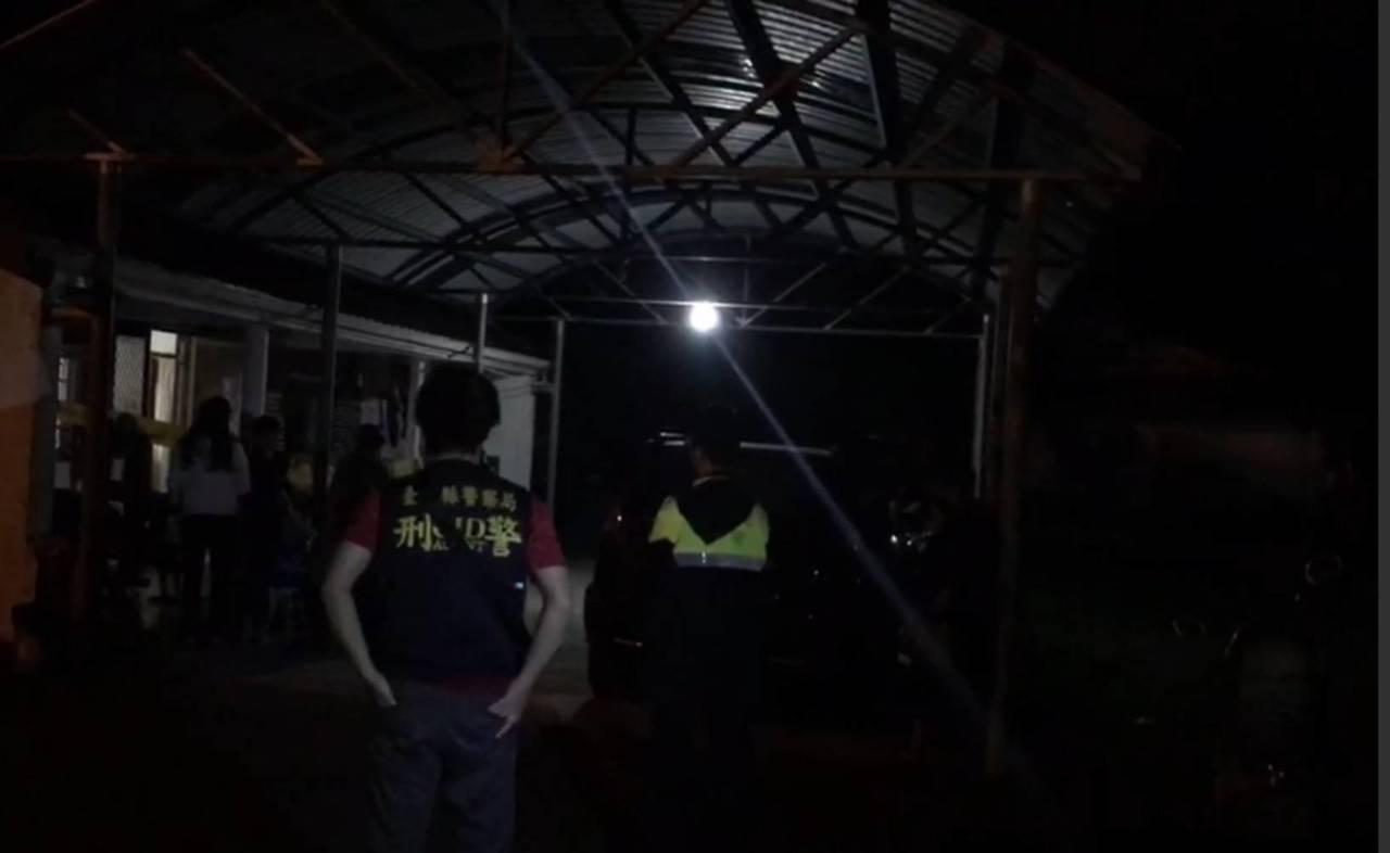 台東驚傳男子持獵槍自戕 警封鎖現場調查