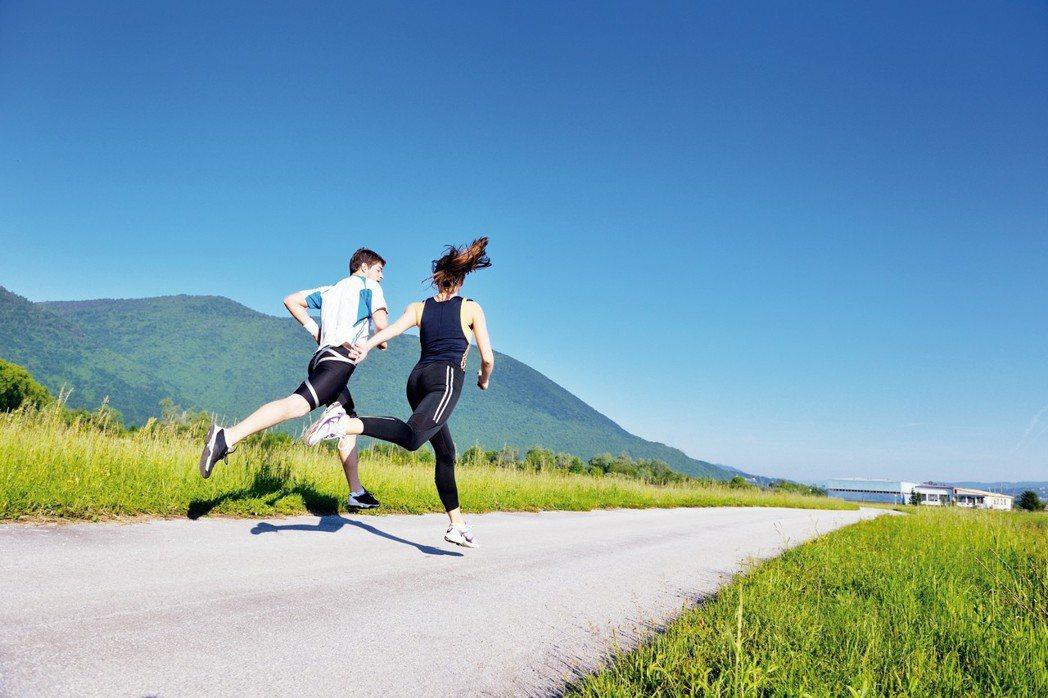 常常運動的人,都可以感受到流汗後痛快的感覺,事實上,運動的確可以解決許多健康問題...