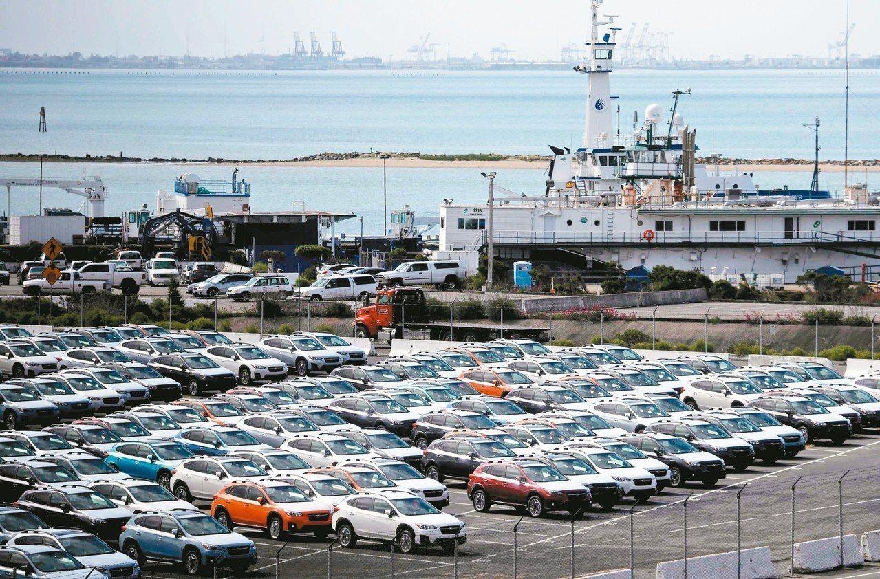 美國總統川普十七日宣布延後加徵汽車及零組件關稅半年,希望能與歐盟及日本就汽車進口...