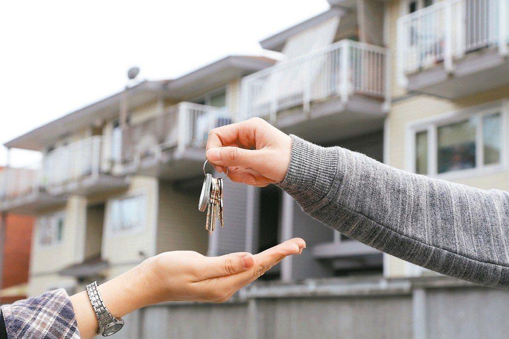 買房必須考慮房屋的保值度、周圍環境、房屋年齡以及生活習慣等。 圖/聯合報系資料照...