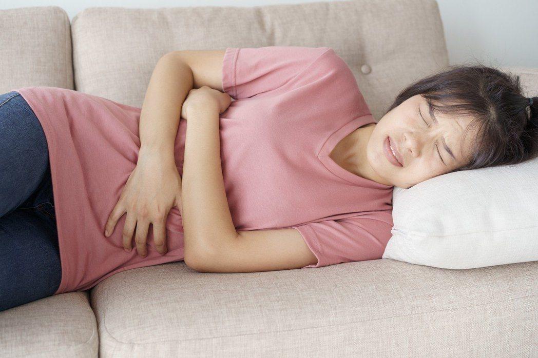 近日有研究發現,有些腸癌在病灶還很小時就已轉移。圖/Ingimage