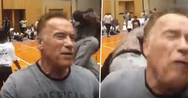 71歲阿諾出席活動遇襲。截自YouTube
