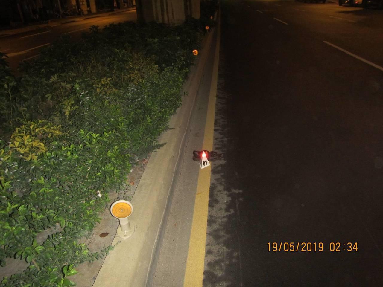 台中市張姓男子昨天走行人穿越道闖紅燈,直接被計程車撞上,送醫不治,張被撞飛10多...