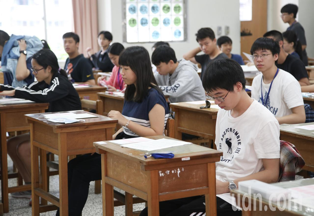 國中會考第二天登場。記者余承翰/攝影