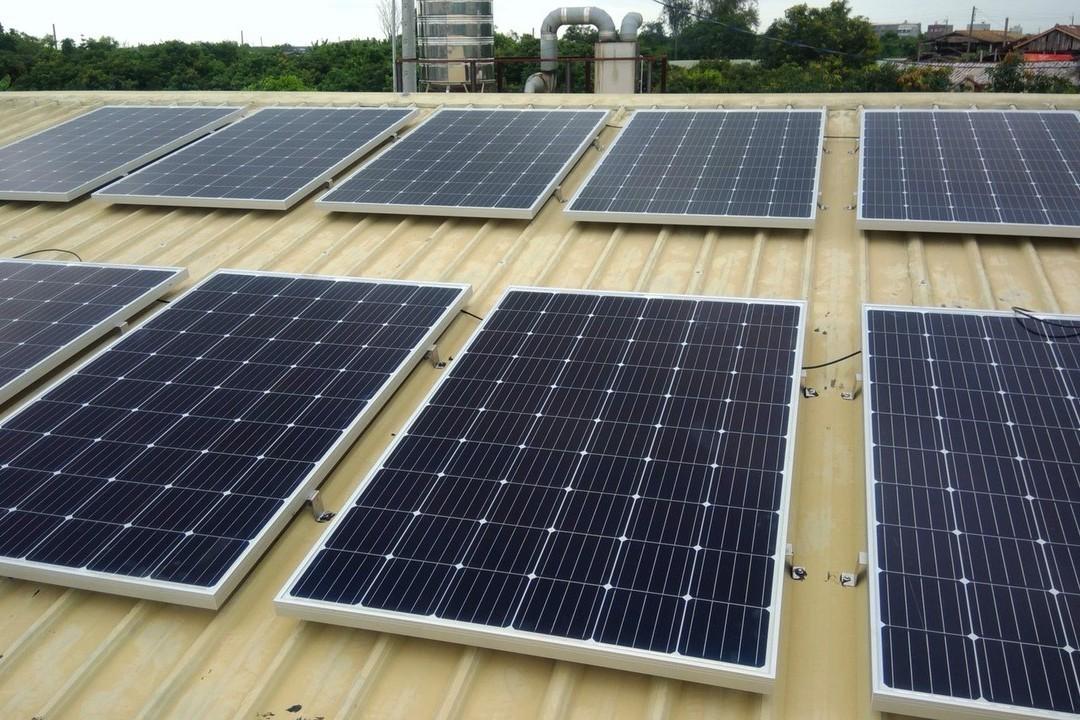 綠能加公益 弱勢商家受助太陽能發電年省逾2萬
