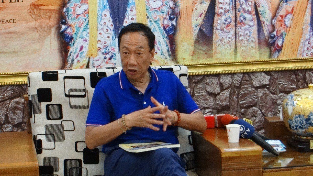 郭台銘到雲林大談他的農業政策,除解決滯還推動科技農業提高產值。記者蔡維斌/攝影
