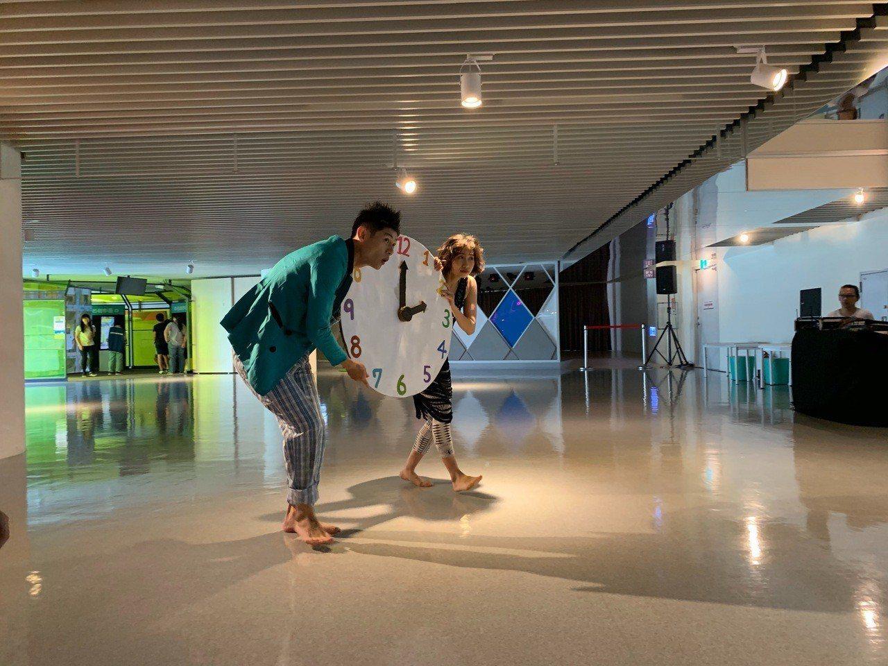 桃園兒美館「不一樣的一天」特展舞蹈生態系表演。圖/桃園市兒童美術館提供