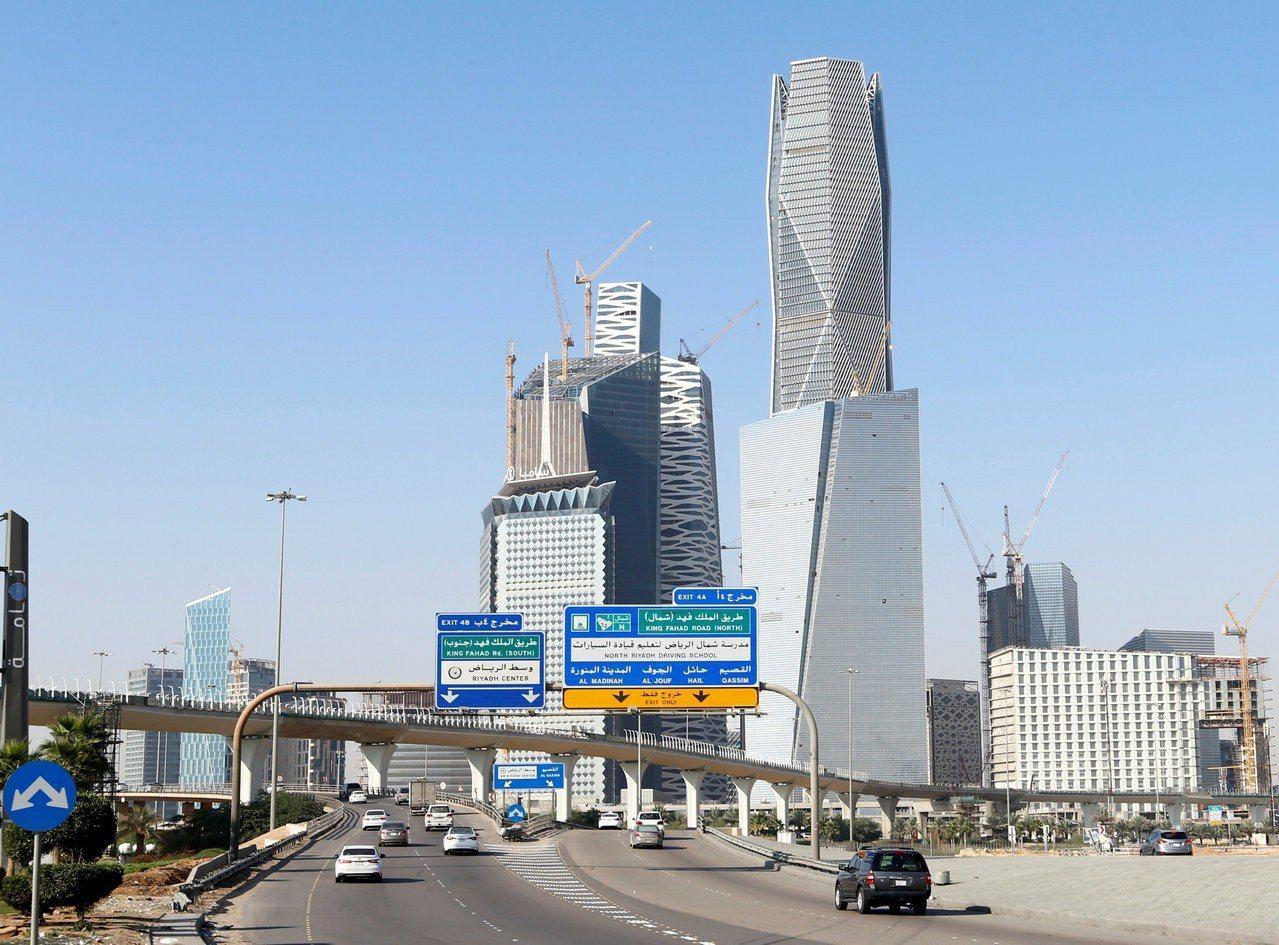 圖為沙國首都利雅德金融區外觀。路透