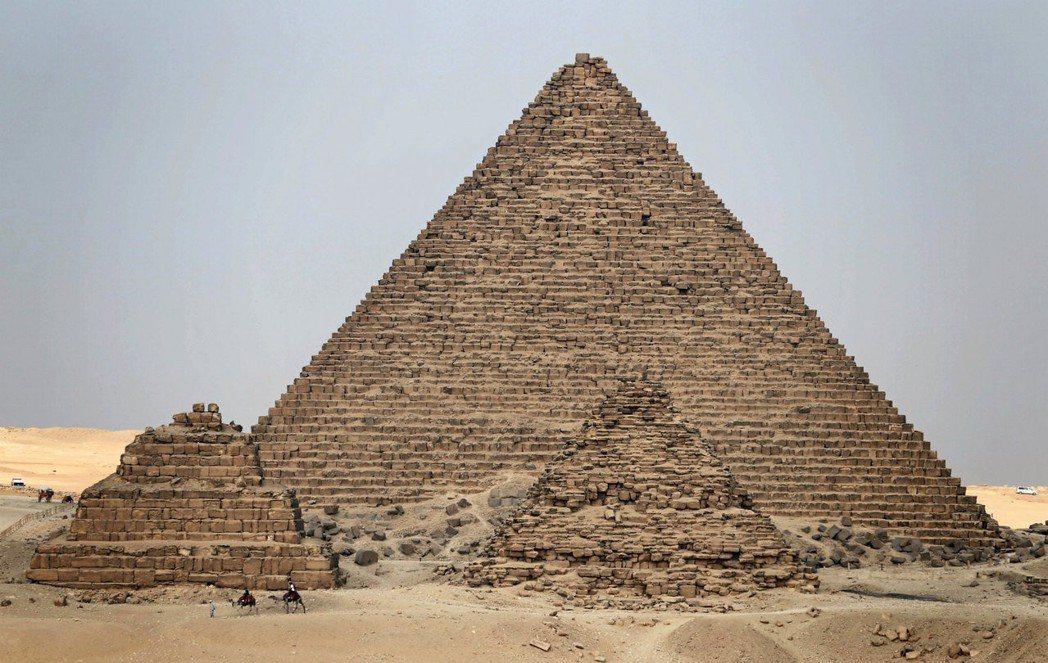 吉薩金字塔。路透