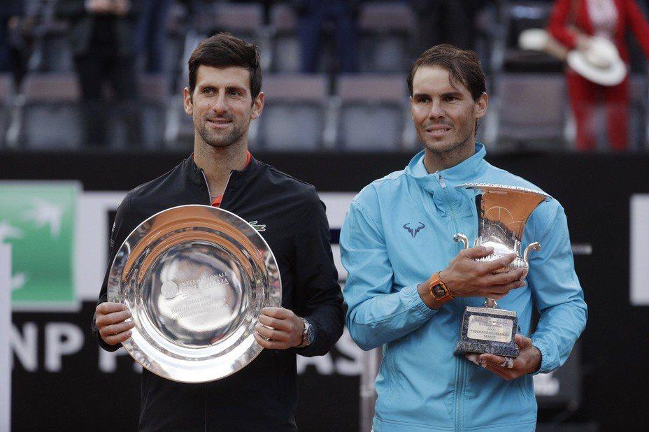 「西班牙蠻牛」納達爾擊敗球王約克維奇,拿下羅馬網賽冠軍,也是本季首冠。 美聯社