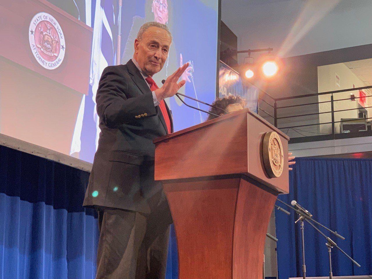 國會參議員舒默呼籲商務部調查中國中車公司,擔憂中車建造紐約地鐵新車廂將對國家...