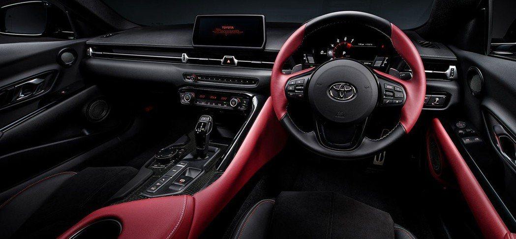 Supra車室內充滿BMW元素的內裝鋪陳。 摘自Toyota
