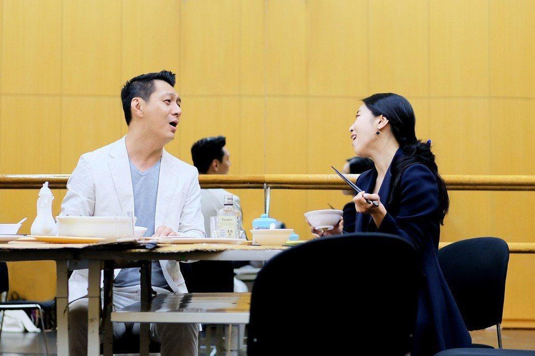 聶雲(飾演老朱)與韓國演員金仁馨(飾演二女兒家倩)飆戲演繹家人之間的拉扯與牽絆。...