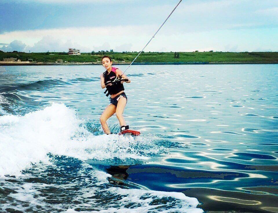 ▲澎湖寬版滑水體驗。(圖/Tripbaa趣吧!亞洲自由行專家)