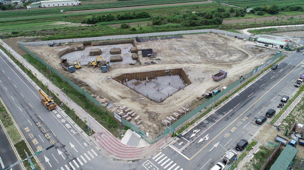 台南新吉工業區開發租售成果豐 一至四期用地100%銷售,圖為工業區內建廠空拍圖。...