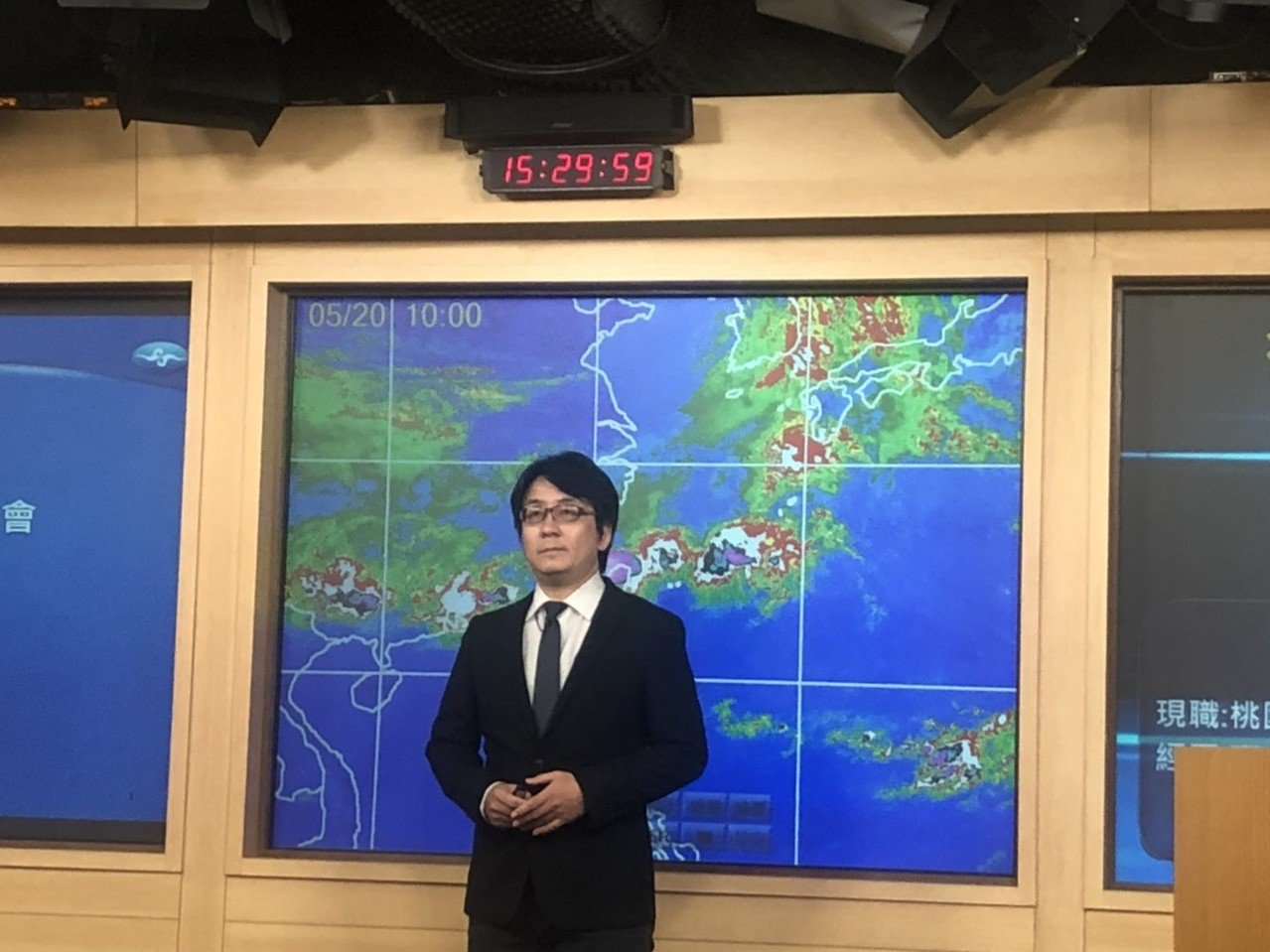 氣象局說明豪雨事件。記者侯俐安/攝影