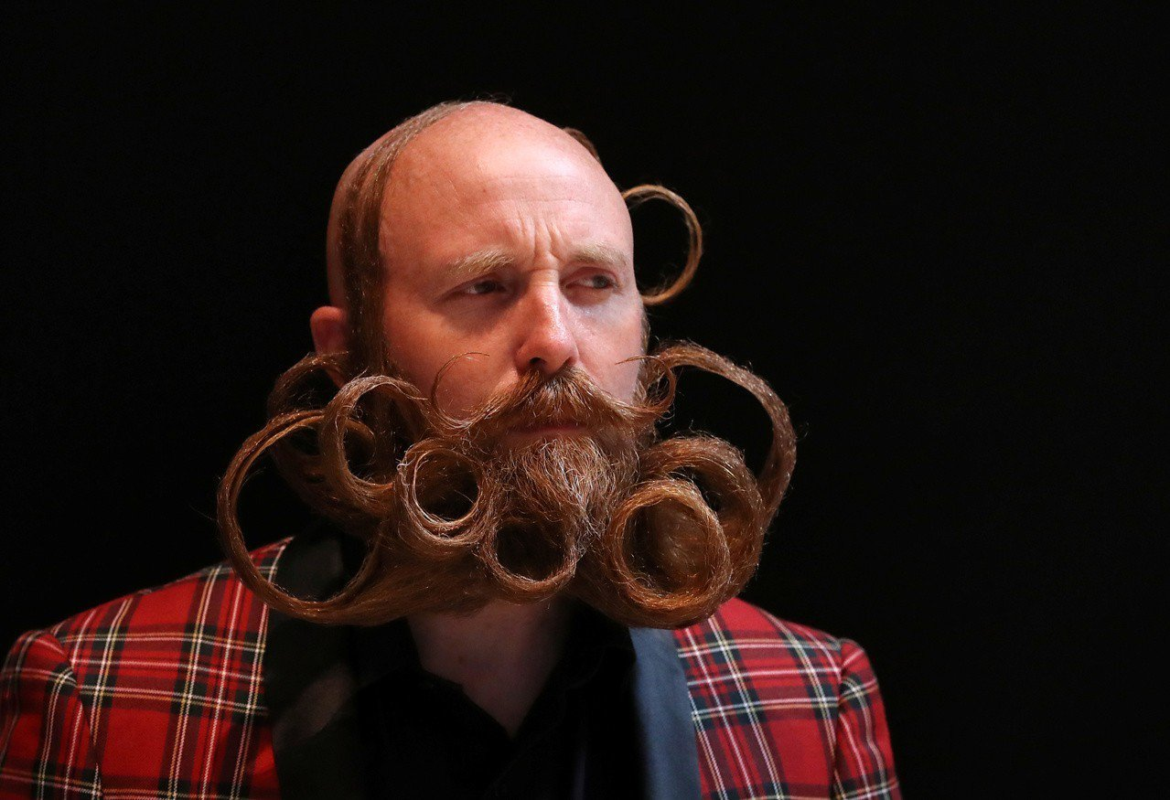 比利時安特衛普,18日舉行「世界鬍鬚錦標賽」,吸引世界無數的「美髯公」前來,精心...