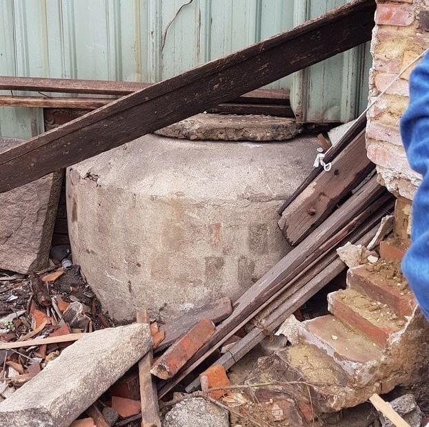 台南鐵路地下化拆遷範圍內的張家百年古井,面臨被移除的命運,地方文史人士希望保留。...