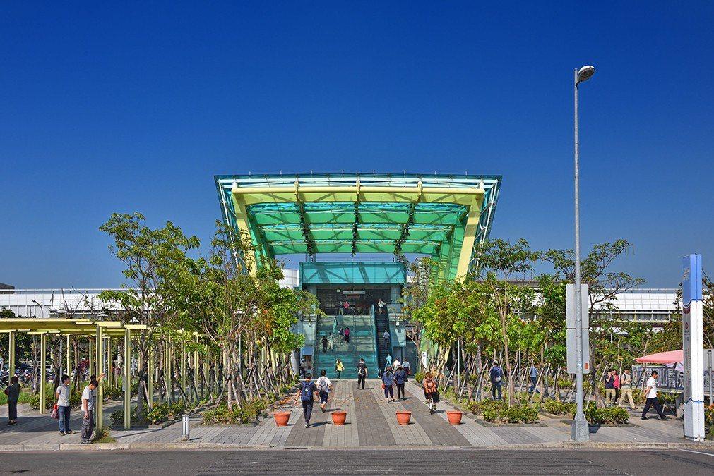 南岡山捷運站。圖片提供/誠佑實業