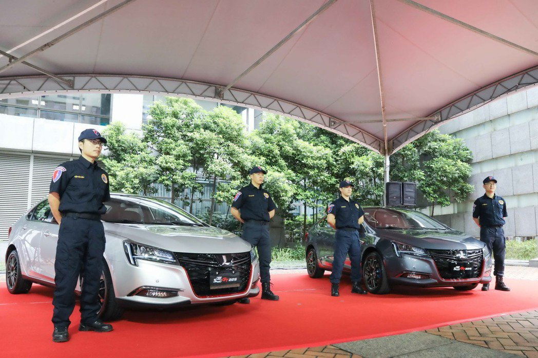 LUXGEN與新北市政府警察局攜手合作,提供兩台S5 GT225作為警用偵防車,...