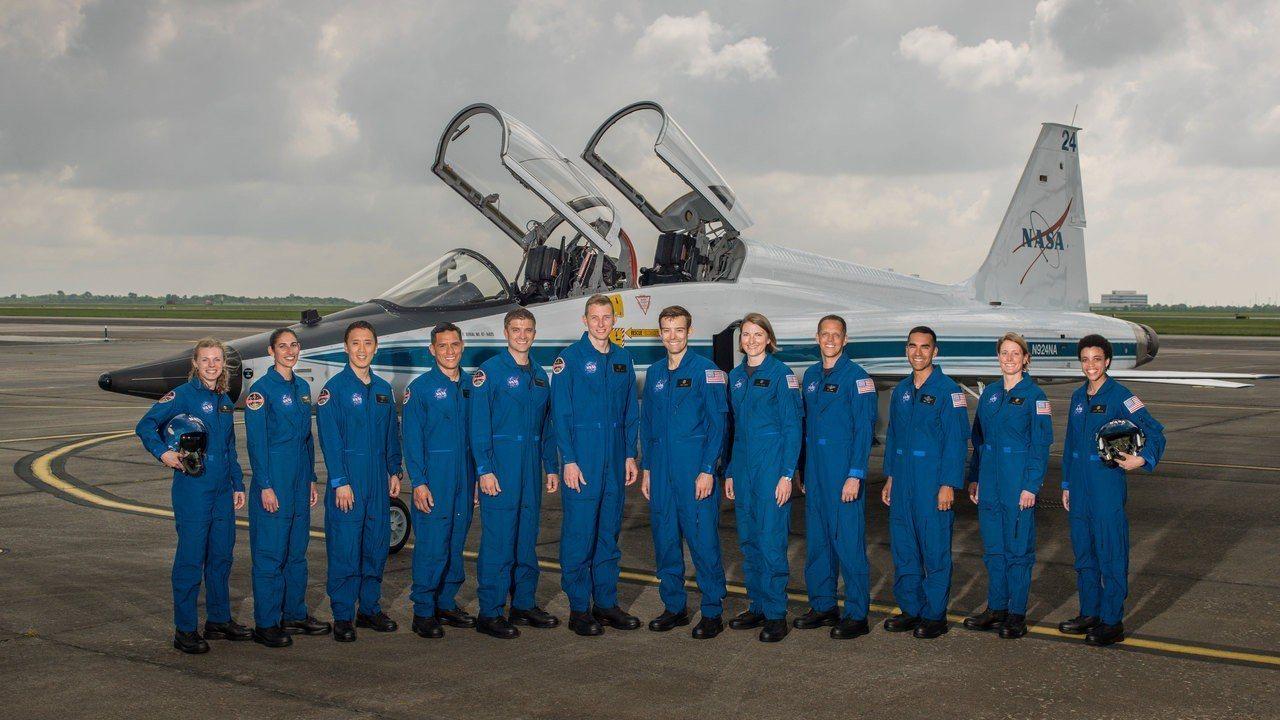 2017年太空人候選隊的12名成員。圖擷自/NASA