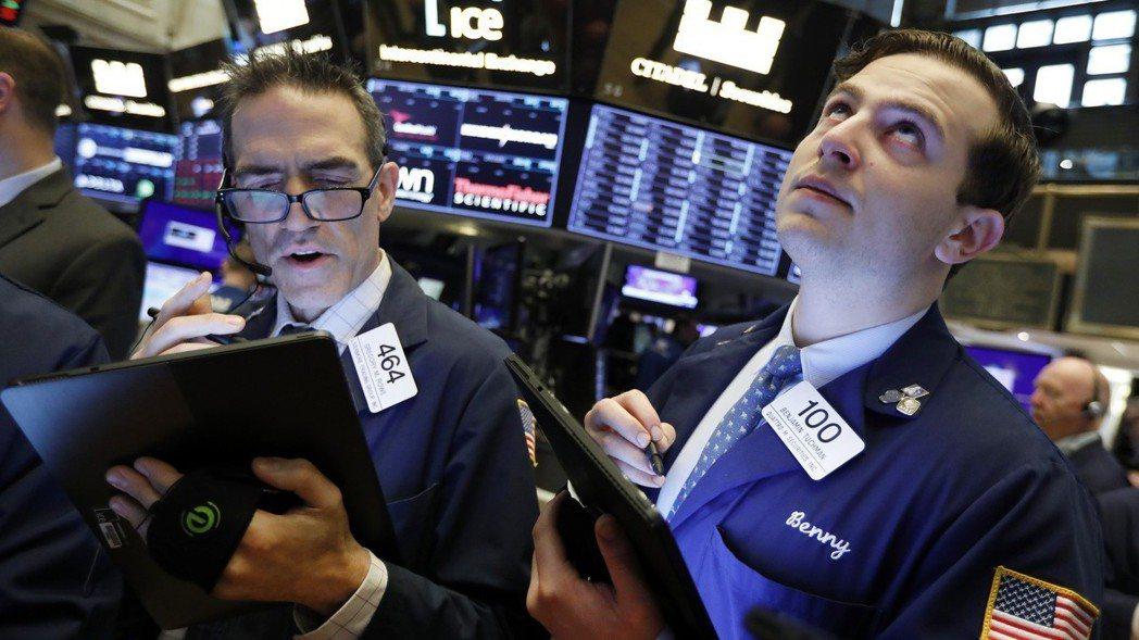 川普政府打壓華為,引發美股科技股重挫。  (美聯社)