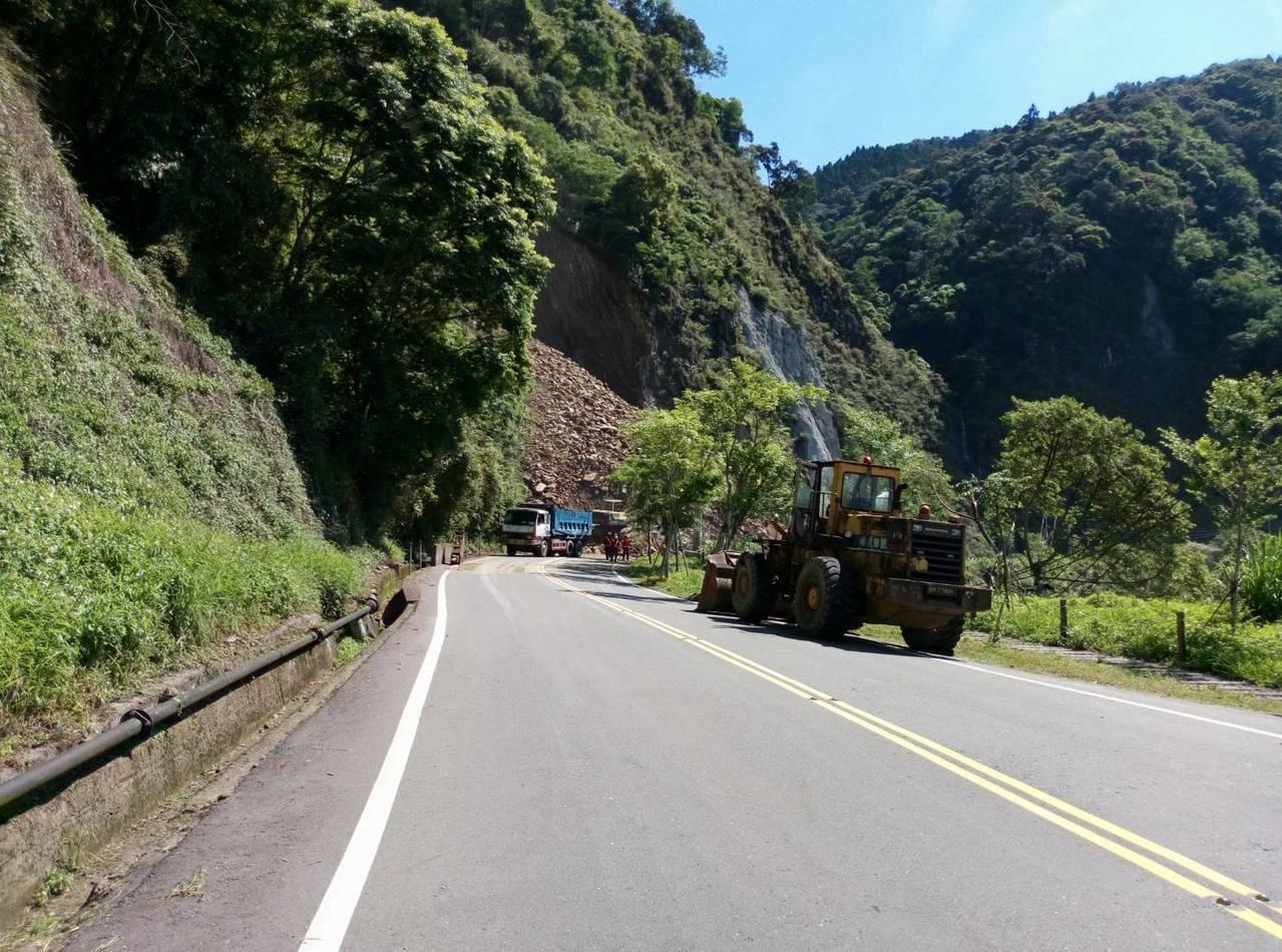 阿里山公路日前在78K處塌方清除,今天開放通行。記者謝恩得/翻攝