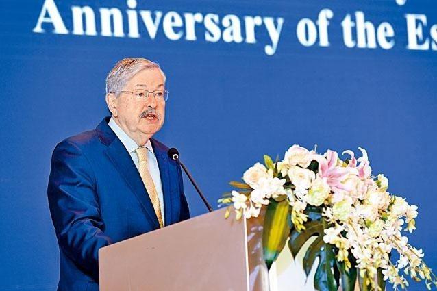 美國駐中共大使布蘭斯塔德19日至25日訪問青海省和西藏自治區。香港星島日報