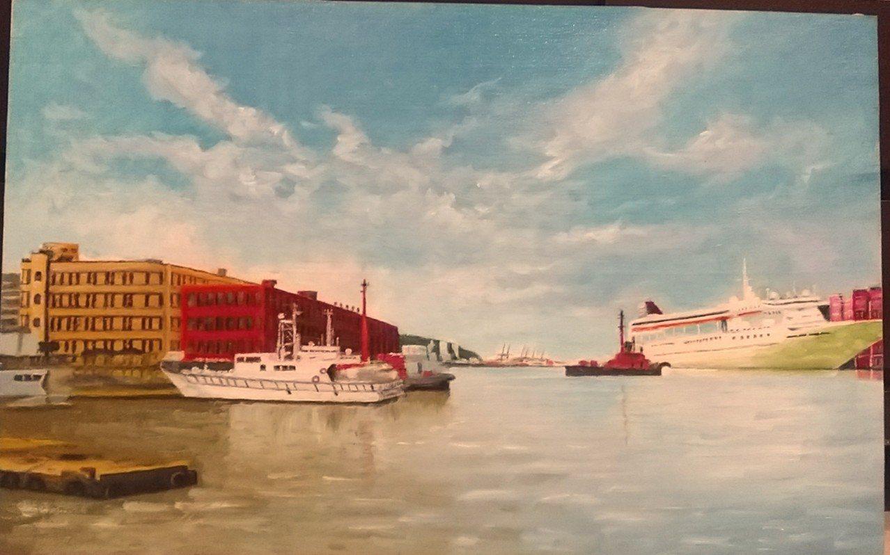 白內障澆不熄熱情,今年78歲的邱美玉,今天起在基隆市文化中心展出油畫作品。圖/基...