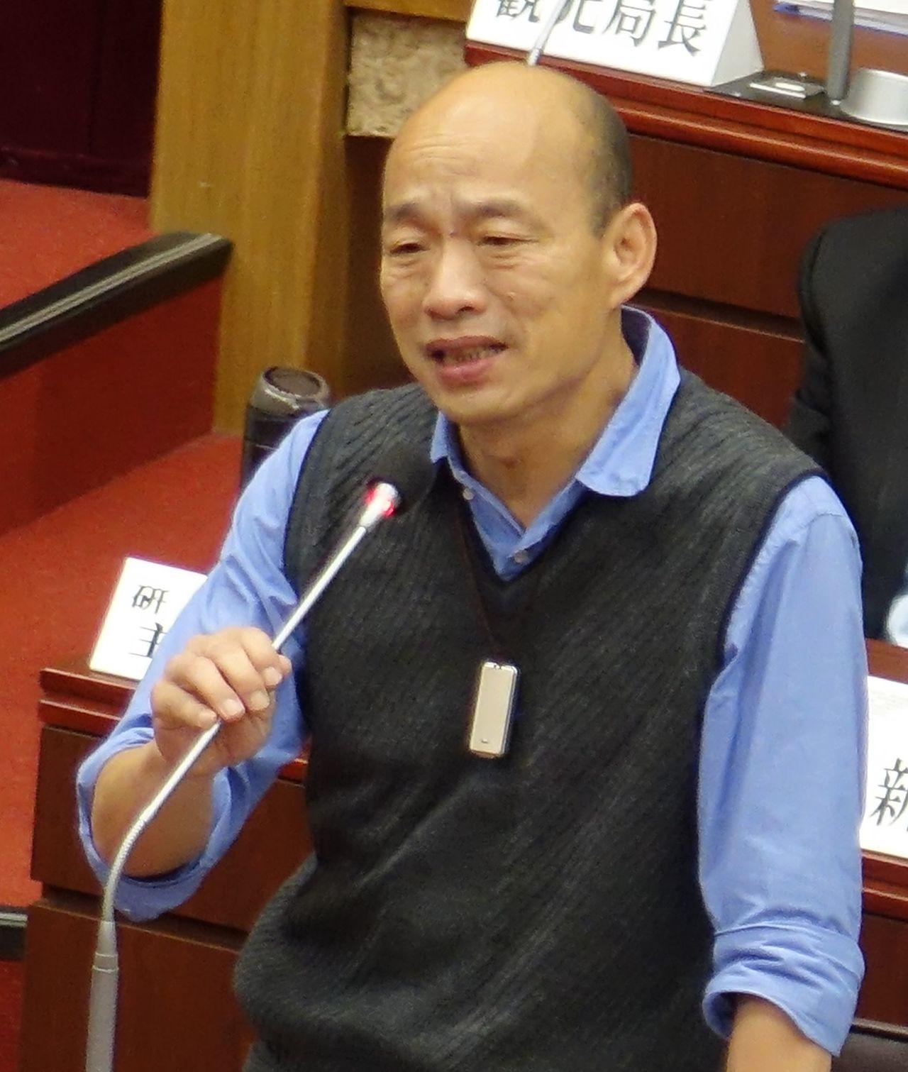 高雄市長韓國瑜今天表示,如果高雄的經濟發展起來,打造成萬商雲集,未來10年的人口...
