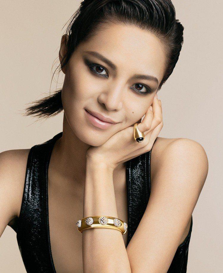 中國女星鍾楚曦演繹全新B Blossom系列高級珠寶。圖/Louis Vuitt...