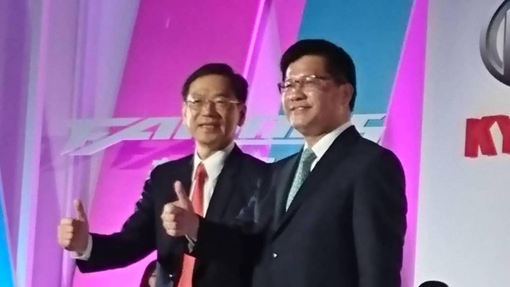 林佳龍(右)指出,機車加裝ABS這個政策,在歐盟地區推出後效果很好,台灣也用政策...
