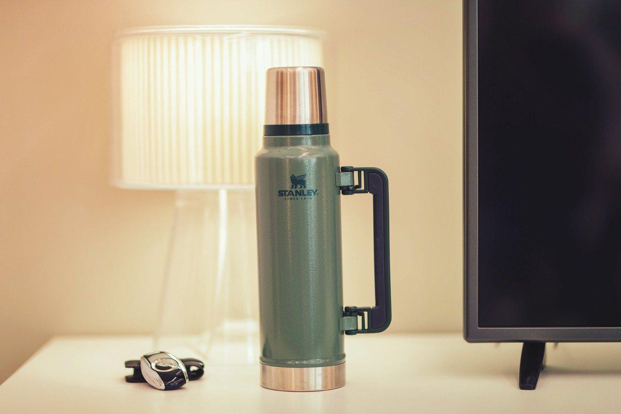 STANLEY限量1.4L經典大保溫瓶原價2,480元,7-ELEVEN集滿6點...