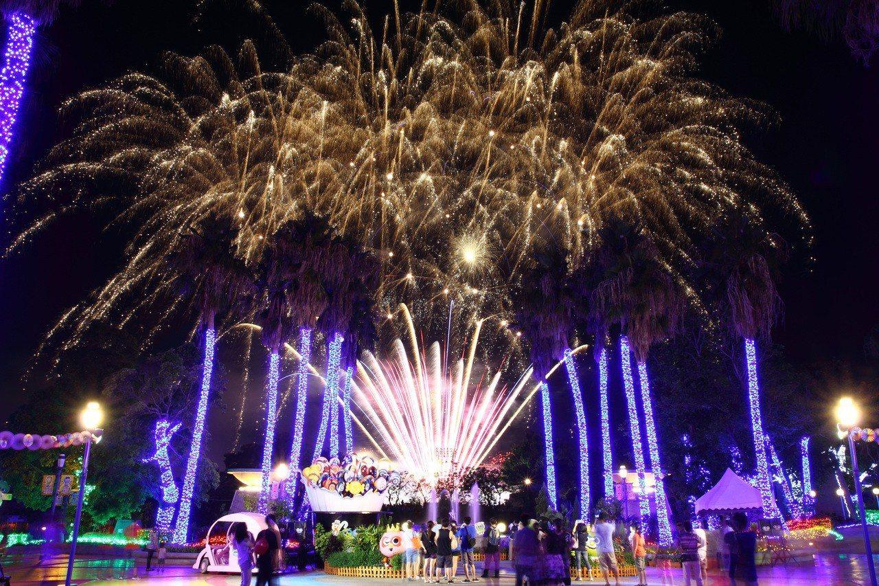 週末假日還有夜間秀與璀璨煙火。圖/麗寶樂園提供