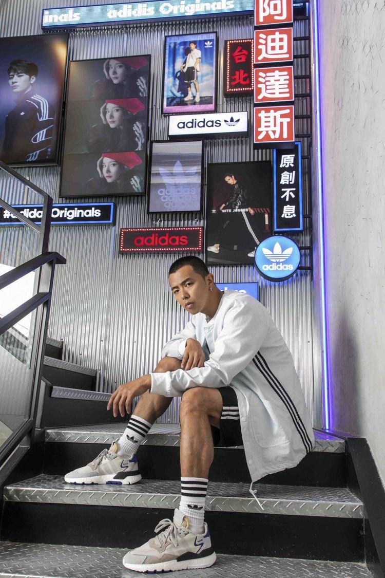小鬼黃鴻升於adidas Originals忠孝經典門市演繹全新系列商品。圖/a...