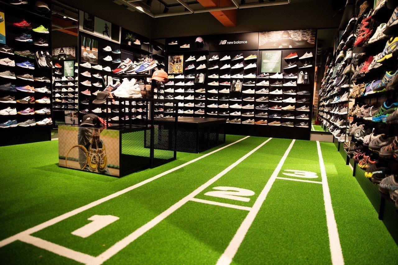 摩曼頓大東一店的Running區採用跑道設計。圖/摩曼頓提供