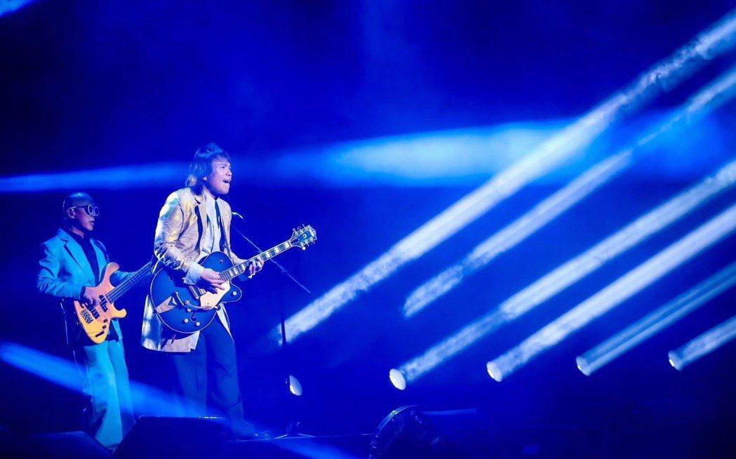 伍佰於上海展開「Rock Star2019巡迴演唱會」。圖/環球提供