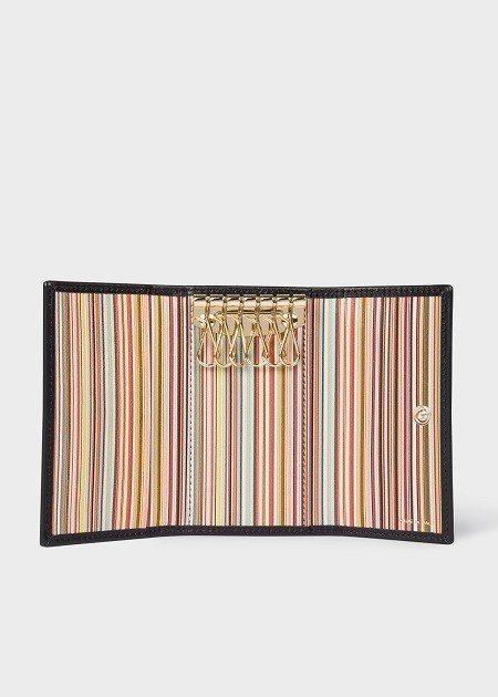 經典條紋鑰匙包,6,800元。圖/Paul Smith提供